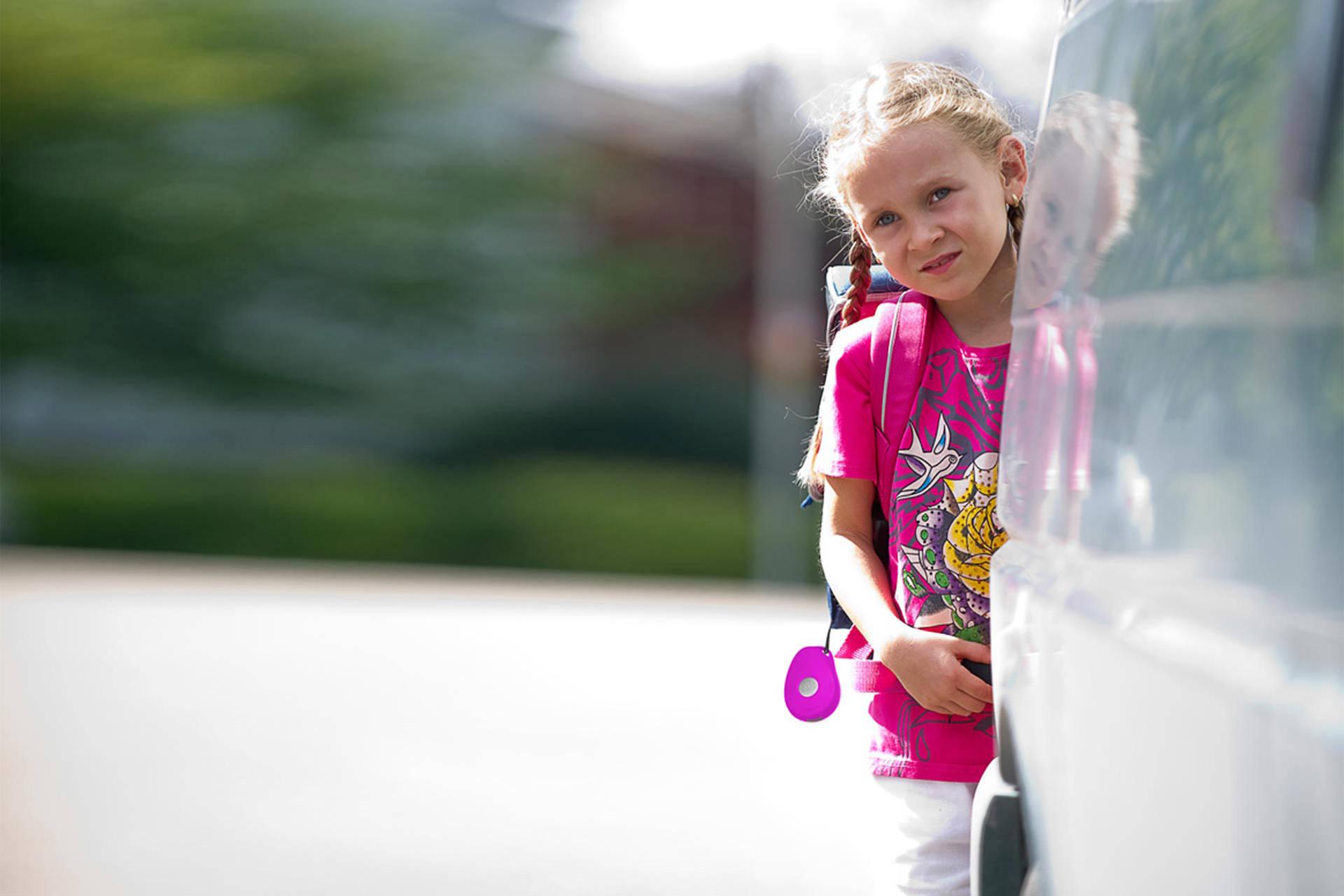 Mädchen - ASB Hausnotruf - Notrufsystem für zu Hause und mobiler Notruf